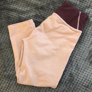 EUC pink fabletics cropped leggings